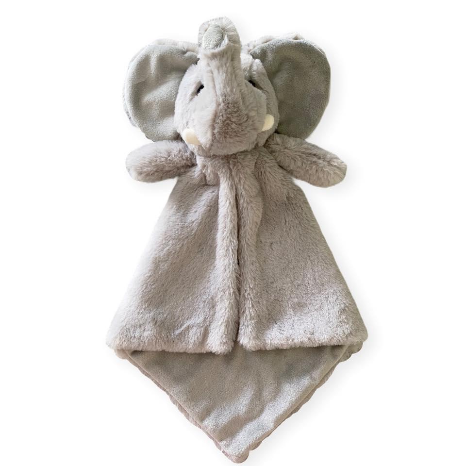 Elephant Lovey LE